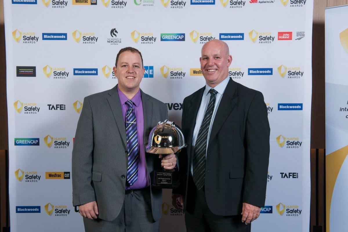 Lee Oakman award